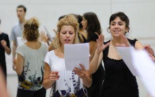 Как поступить в театральный ВУЗ на актера — краткая инструкция и топовые университеты России